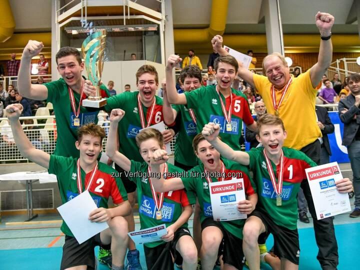 Wir gratulieren dem Team aus Niederösterreich (BG BRG Amstetten) zum Sieg bei den UNIQA School Championships BOYS! Sie konnten sich gegen das Team aus Kärnten (BRG Klagenfurt-Viktring) durchsetzen und holten damit den Bundesmeistertitel. Platz 3 ging an Fürstenfeld, das Team aus Innsbruck belegte den 4. Platz. Glückwunsch an die Gewinner und ein großes Lob an alle Teams für diese spannenden Wettkampftage in Wolfurt   Source: http://facebook.com/uniqa.at