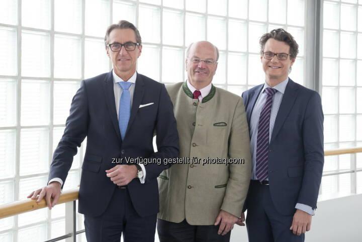 Leonhard Schitter/Vorstandssprecher Salzburg AG; Christian Struber/Aufsichtsrats-Vorsitzender; Horst Ebner/Vorstand Salzburg AG - Salzburg AG: Salzburg AG steigert Gewinn (Fotograf: Günter Freund / Fotocredit: Salzburg AG)