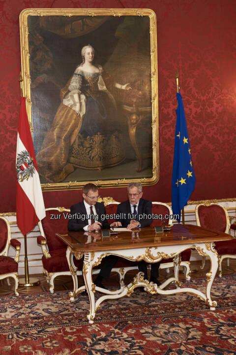 Thomas Stelzer, Bundespräsident Alexander Van der Bellen, Angelobung Thomas Stelzer - Landeshauptmann OÖ (Bild: Michael Rausch-Schott)