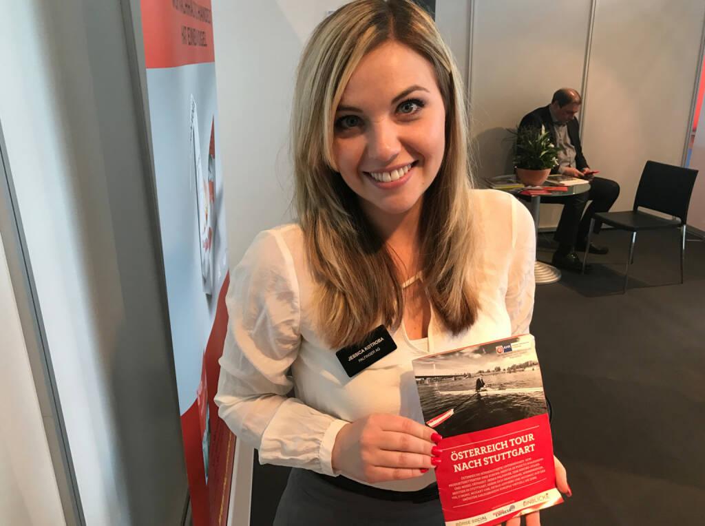 Jessica Kotroba (Palfinger) mit dem Mini-  http://www.boerse-social.com/magazine , beigelegt bei http://markteinblicke.de #invest2017 (09.04.2017)
