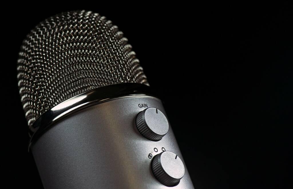 Interview, Gespräch, Job, Talk, Sitzung - (Bild: Pixabay/Fotocitizen https://pixabay.com/de/mikrofon-mic-vokal-medien-mike-1172260/ ) (11.04.2017)