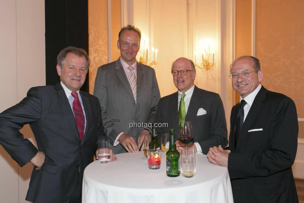 Eduard Zehetner (Immofinanz), Franz Witt-Döring, Cornelius Grupp, Michael Spiss (RCB), © finanzmarktfoto/Martina Draper (15.05.2013)