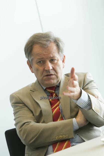 Eduard Zehetner (Immofinanz), nachdenklich, © Martina Draper (15.12.2012)
