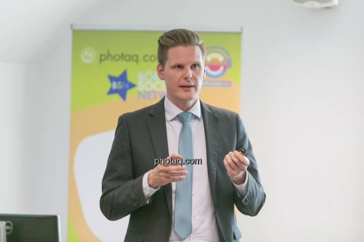 Florian Helmberger (Hello bank!)
