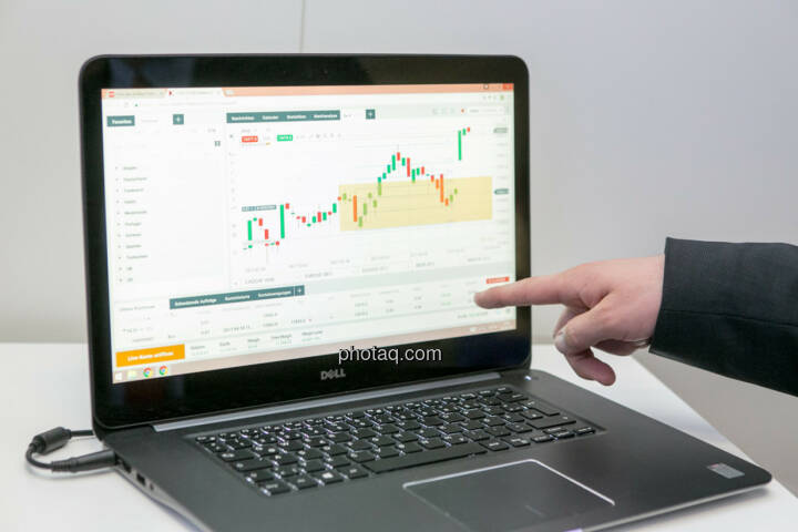 Laptop, Chart, xtb
