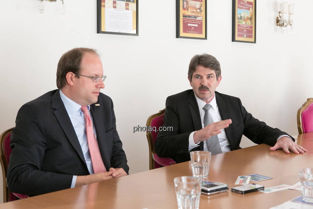 Florian Nowotny (CA Immo), Ernst Vejdovszky (S Immo), © finanzmarktfoto.at/Martina Draper (15.05.2013)