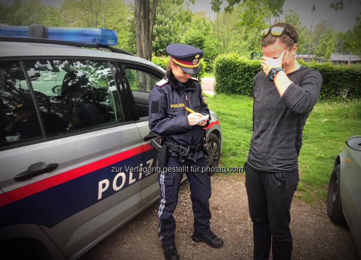Tanja Bauer, Tanja Stroschneider, Polizei, Kontrolle, Strafe, Strafzettel