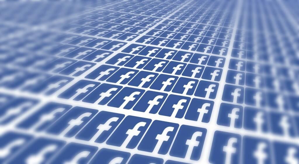 Facebook (Bild: Pixabay/geralt https://pixabay.com/de/facebook-viele-f-tafeln-system-715811/ )    (04.05.2017)
