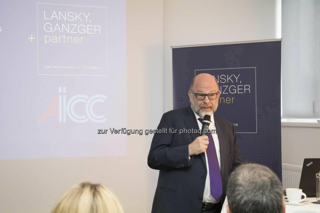 Gastgeber Gabriel Lansky beim Business Breakfast - Lansky, Ganzger & Partner Rechtsanwälte GmbH: AICC holt Anti-Terrorexperten nach Wien (Fotograf: Raphael Schwarz / Fotocredit: LGP), © Aussender (04.05.2017)
