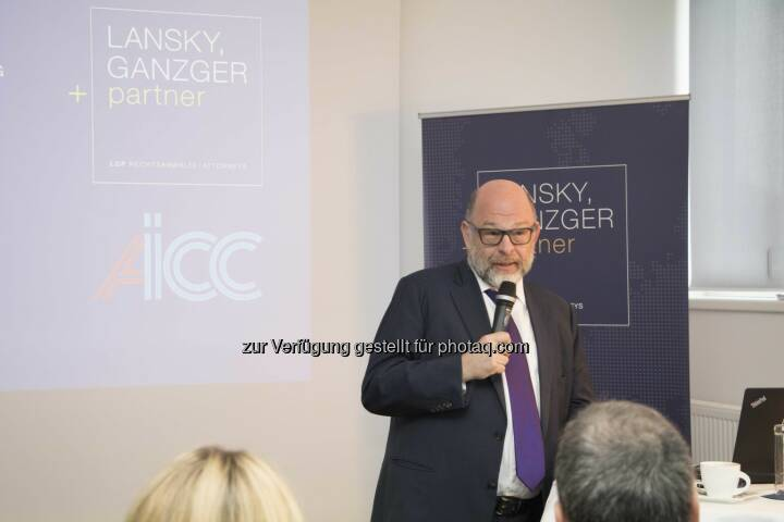 Gastgeber Gabriel Lansky beim Business Breakfast - Lansky, Ganzger & Partner Rechtsanwälte GmbH: AICC holt Anti-Terrorexperten nach Wien (Fotograf: Raphael Schwarz / Fotocredit: LGP)