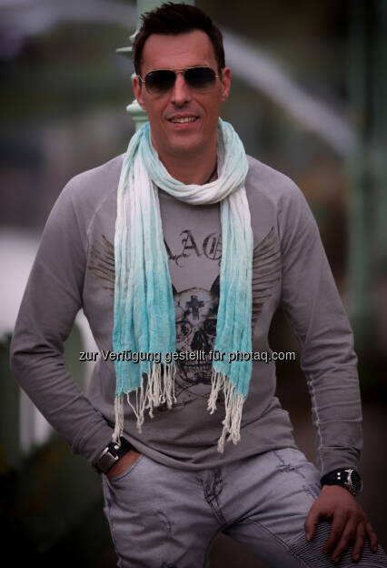 """Roland Schuldt - AUSTRO RECORDS: Neuer Star am Austropop Himmel! Austropop Fans werden das neue Debütalbum Lebn"""" von Newcomer Roland Schuldt lieben. (Fotograf: Eszter Strobl / Fotocredit: Roland Schluldt), © Aussender (08.05.2017)"""