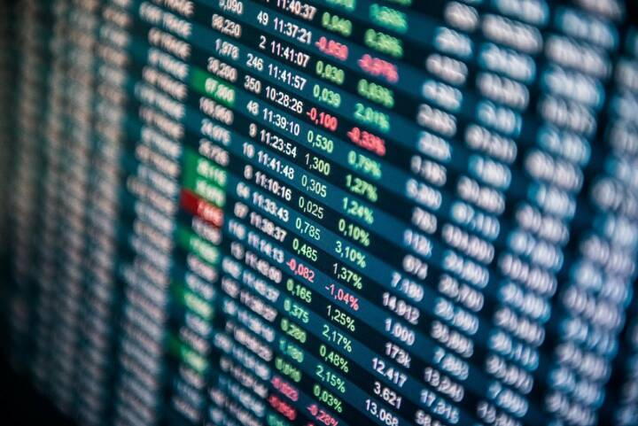 Wiener Börse - Rising equity turnover @ Vienna Stock Exchange: In April, trading volumes at the Vienna Stock Exchange grew by almost 30% year-on-year (April 2016: EUR 4.05 billion; April 2017: EUR 5.26 billion). Elections in France pushed the trading volume especially on Monday, April 24, showing a daily equity turnover of EUR 435 million. Year-to-date, the Vienna Stock Exchange recorded a 10.8% increase in trading volumes (Jan-Apr 2016: EUR 19.76 billion; Jan-Apr 2017: EUR 21.88 billion).