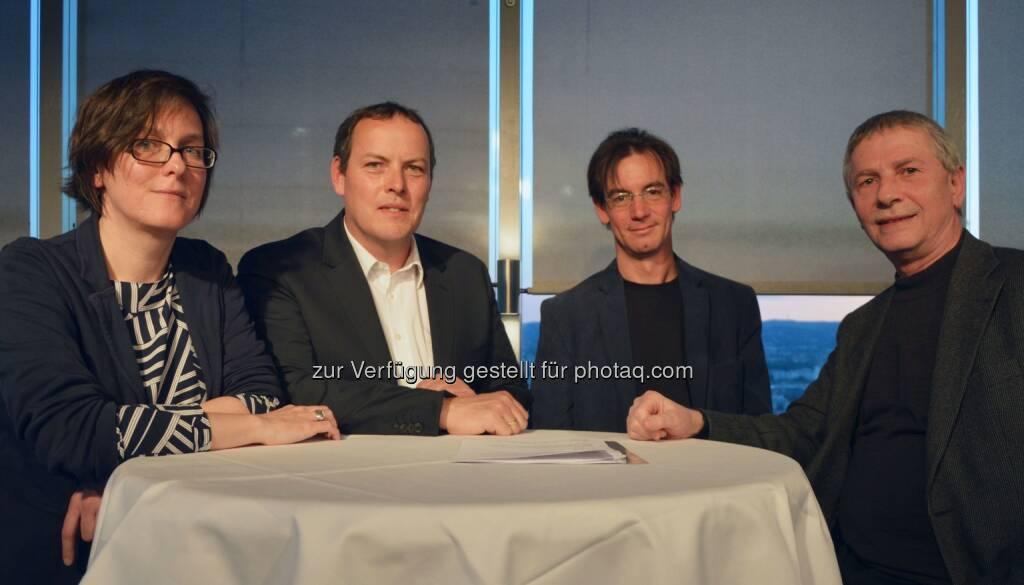 """FH-Prof.in Dr.in Nicole Gonser, Univ.-Prof. DDr. Ulrich Berger, Alwin Schönberger, Ao Univ.-Prof. Dr. Michael Kundi - Forum Mobilkommunikation - FMK: FMK-Diskussion: """"Zwischen den Zeilen – warum in wissenschaftlichen Studien 1+1 auch manchmal 3 sein kann"""" mit VIDEO (Fotocredit: FMK), © Aussender (08.05.2017)"""