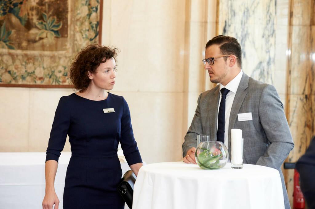 Marianne Kögel (Raiffeisen Centrobank), Michael Plos (Börse Social Network) - Zertifikate Award Austria 2017 (Fotocredit: Zertifikate Forum Austria), © Zertifikate Forum Austria (19.05.2017)