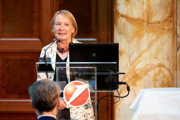 Heike Arbter (Raiffeisen Centrobank) - Zertifikate Award Austria 2017 (Fotocredit: Zertifikate Forum Austria)