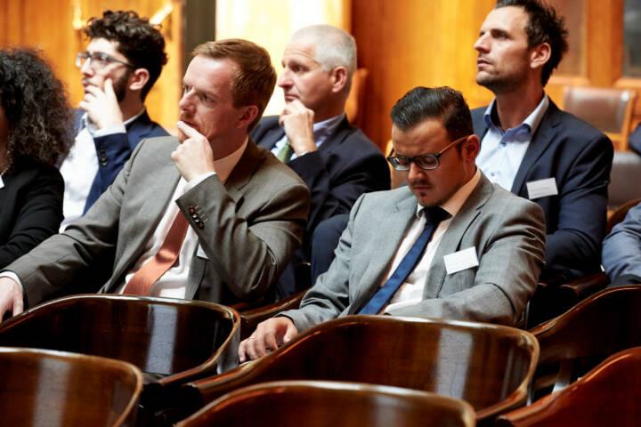 Christian-Hendrik Knappe (Deutsche Bank), Michael Plos (Börse Social Network) - Zertifikate Award Austria 2017 (Fotocredit: Zertifikate Forum Austria)
