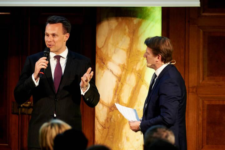 Vorstand Christoph Boschan (Wiener Börse), Lars Brandau (Deutscher Derivate Verband) - Zertifikate Award Austria 2017 (Fotocredit: Zertifikate Forum Austria)