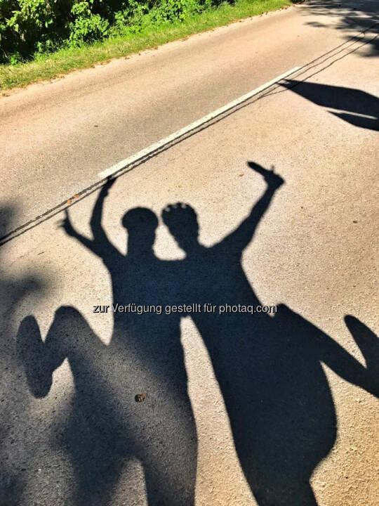 Schatten, tanzen, yes!
