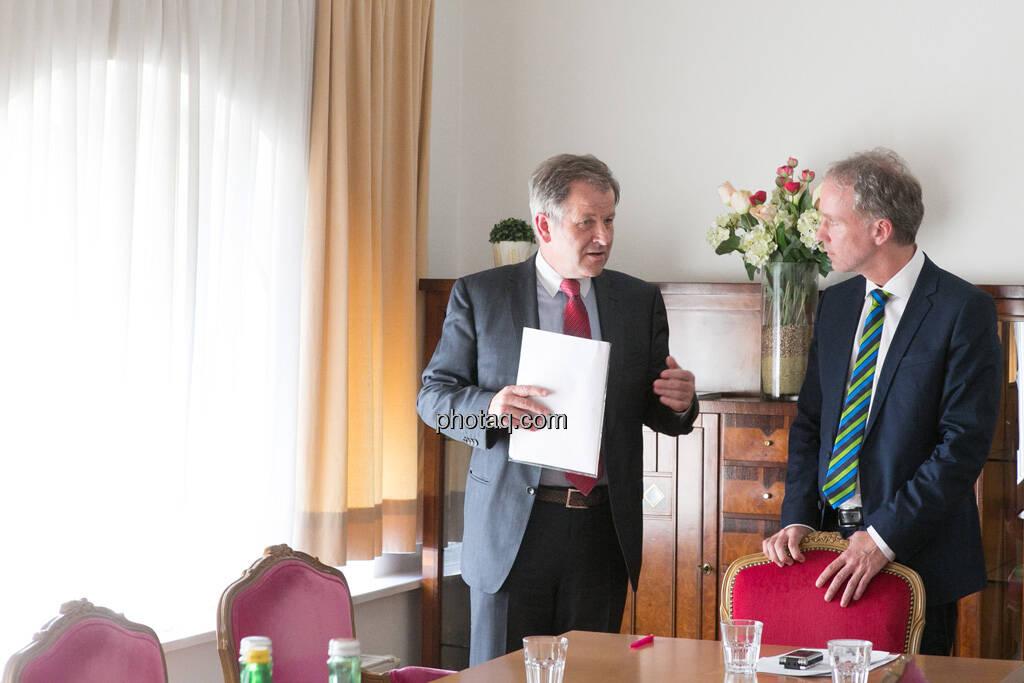 Eduard Zehetner (CEO Immofinanz), Christian Drastil, © finanzmarktfoto.at/Martina Draper (15.05.2013)