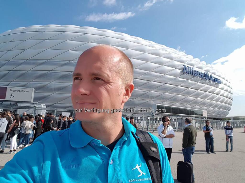 Markus Steinacher vor der Allianz Areana (22.05.2017)