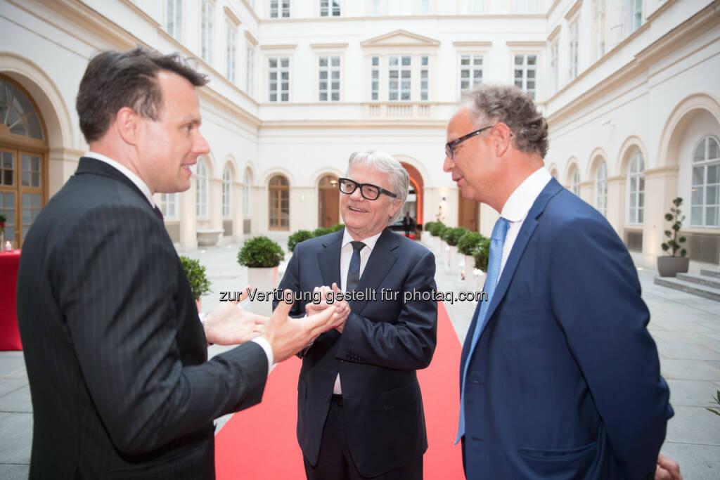 Börse-Vorstand Christoph Boschan im Gespräch mit voestalpine CEO Wolfgang Eder und Wienerberger-CEO Heimo Scheuch (Fotocredit: Wiener Börse) (01.06.2017)