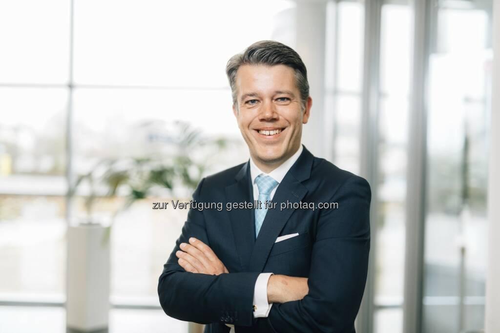 Dr. Michael Dorin, Finanzvorstand itelligence AG: Durch die Übernahme der Goldfish ICT verfolgen wir unser strategisches Ziel, in jedem unserer wichtigsten Absatzmärkte zu den führenden SAP-Partnern zu gehören. In Benelux dürfen wir nun von deutlichen Umsatzsteigerungen in attraktiven Wachstumsbranchen ausgehen. - itelligence AG: SAP-Beratungshaus Golfisch ICT wird Teil der itelligence Gruppe - itelligence Benelux übernimmt Goldfish ICT (Fotograf: Michael Adamski / Fotocredit:itelligence AG), © Aussender (01.06.2017)