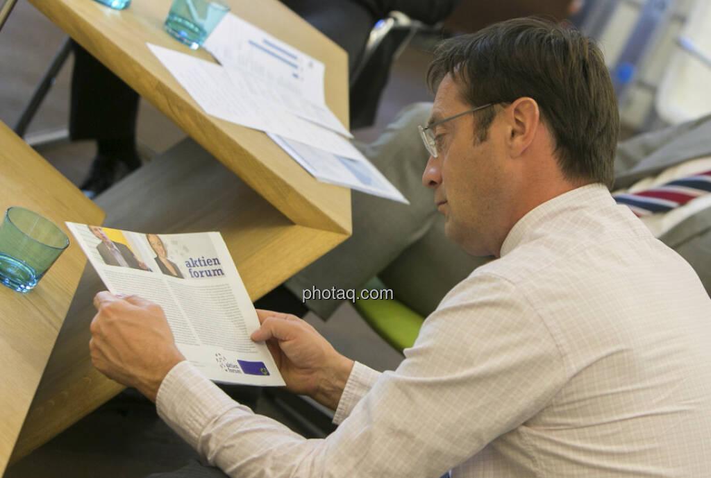 Roland Neuwirth (Salus Alpha), Fachheft (15.12.2012)