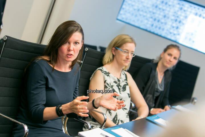 FH-Prof. Mag. Monika Kovarova-Simecek (Dozentin am Department Medien und Wirtschaft der FH St. Pölten) - Jasmin Wolf-Veigel (Studentin) - Tatjana Aubram (Studentin) - (Fotocredit: Martina Draper)