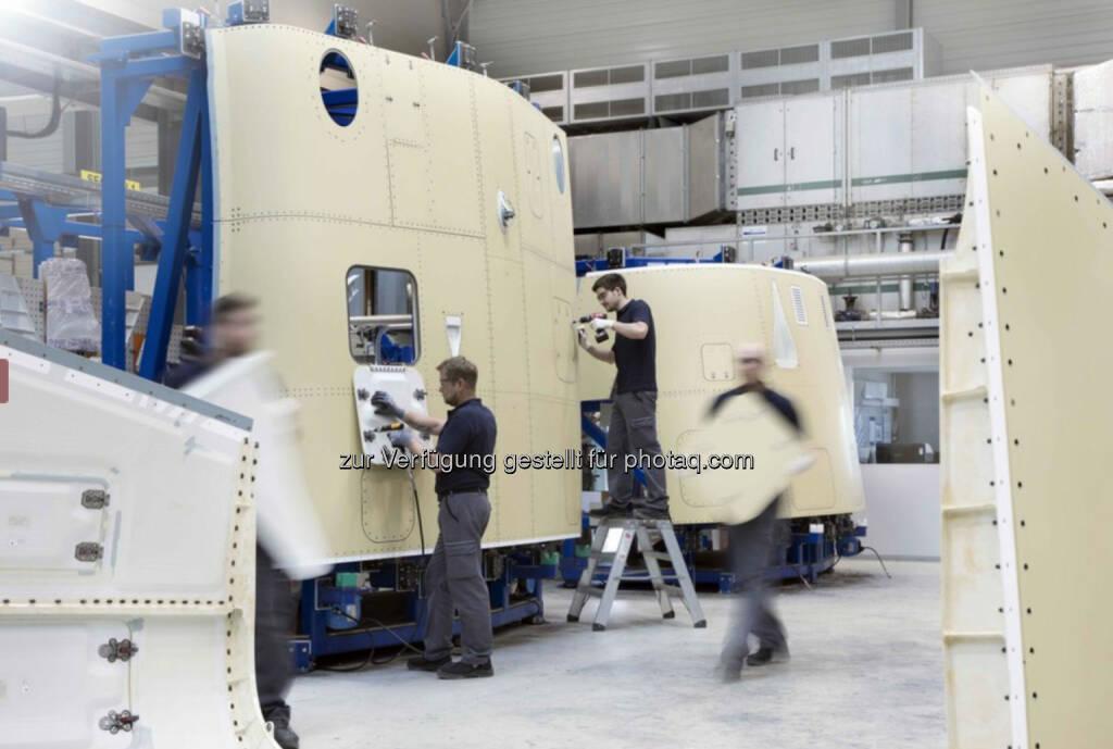 Die FACC Fertigungsstraße für Flügel-Rumpf-Verkleidungen der C Series ist auf hohe Wirtschaftlichkeit und Kosteneffizienz ausgerichtet. Copyright: FACC (19.06.2017)