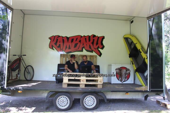 "MoWorking Space - Das Büro im Anhänger - KAMBAKU ENERGY GMBH: ""Mobile Working Space"" - Die Idee entstand im Stau (Fotocredit: www.kambaku.energy)"
