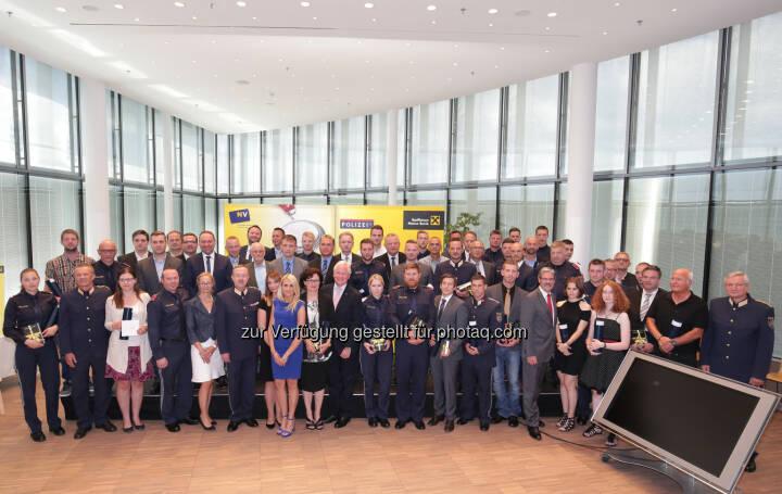42 Beamte und 14 Privatpersonen wurden heuer von der Raiffeisenlandesbank NÖ-Wien und der Niederösterreichischen Versicherung mit dem Sicherheitsverdienstpreis für Niederösterreich ausgezeichnet. - Raiffeisenlandesbank NÖ-Wien AG: 41. Sicherheitsverdienstpreis für Niederösterreich (Bild: RLB NÖ-Wien/Rudolph)