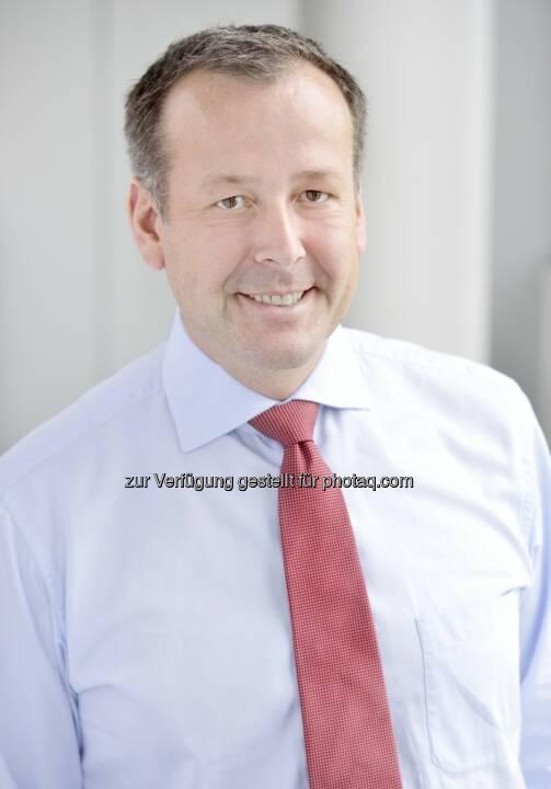 Horst Bernegger, Partner und Leader Automotive bei PwC Österreich - PwC Österreich: PwC Automotive-Studie 2017: Österreichische Automobil-Zulieferer halten Innovationsdruck stand (Bild: PwC)