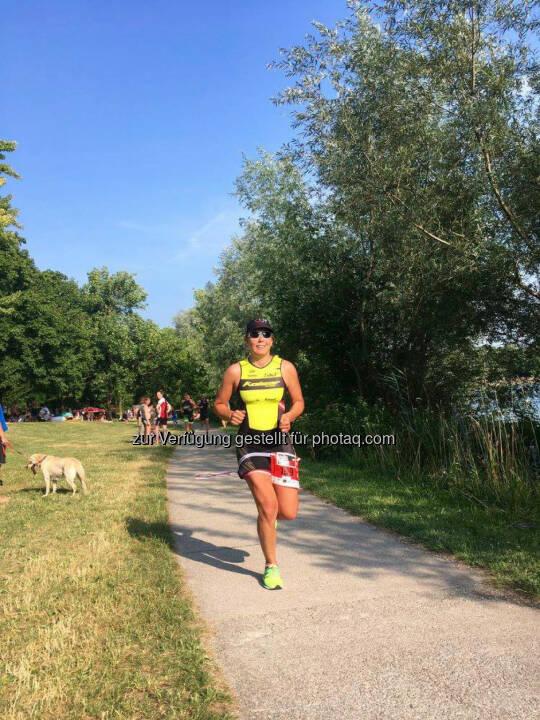 Martina Kaltenreiner:Kräfteraubende ~10.5km - 3 Runden um den Pichlingersee bei Hitze und Wind   © Jaqueline Forster