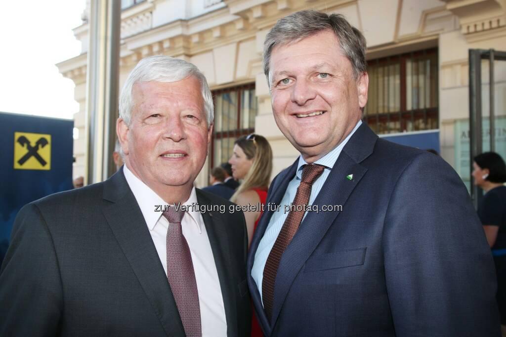RLB OÖ- Aufsichtsratspräsident NR Jakob Auer, RWA-Generaldirektor Reinhard Wolf (Bild: RLB OÖ/Strobl) (27.06.2017)