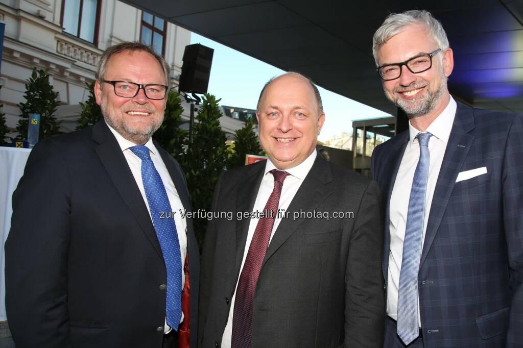 Josef Stockinger, Generaldirektor der OÖ Versicherung, CNH-CEO Andreas Klauser, Oberösterreichs Landeshauptmann-Stv. Michael Strugl (Bild: RLB OÖ/Strobl) (27.06.2017)