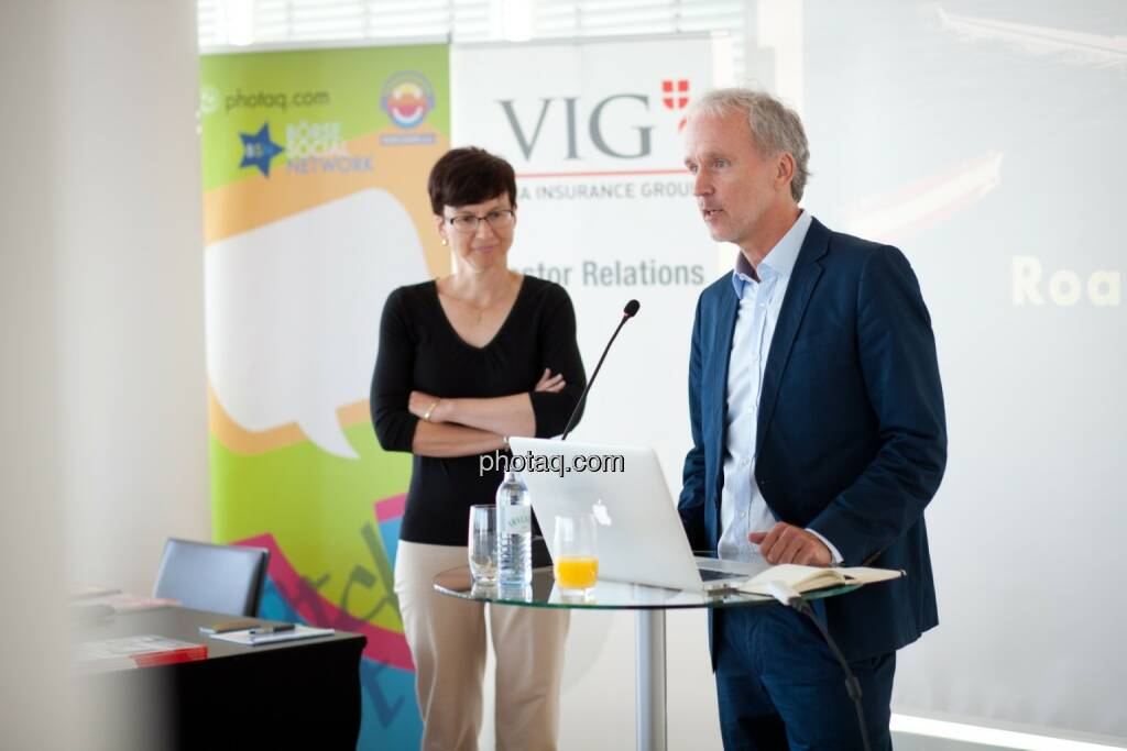 Gastgeberin im Ringturm: Nina Higatzberger-Schwarz (VIG, Leiterin Investor Relations), Christian Drastil (BSN), © Michaela Mejta (04.07.2017)