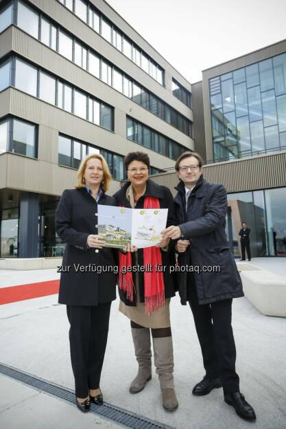 Eröffnung aspern iQ: Doris Bures, Renate Brauner, Gerhard Hirczi (c) Wirtschaftsagentur Wien (15.12.2012)