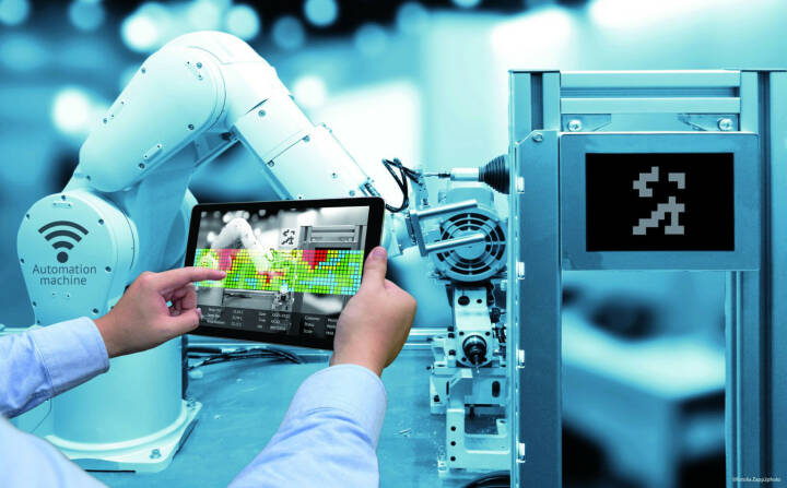 Fachhochschule Kufstein Tirol, neuer Studiengang Smart Products & Solutions, Roboter, Technologie, Fotocredit: zapp2photo - Fotolia