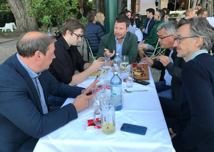 Hannes Roither (Palfinger), Martin Foussek (Own Austria), Josef Chladek (BSN) im Gespräch