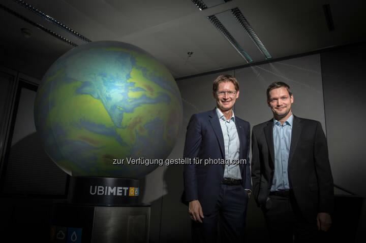 Andreas Kößl, Vorstand UNIQA Österreich und Michael Fassnauer, CEO von UBIMET - UNIQA Insurance Group AG: UNIQA Österreich erwartet aus aktuellem Unwetter Schäden im einstelligen Millionen-Euro-Bereich (Fotocredit: UNIQA/Froese)