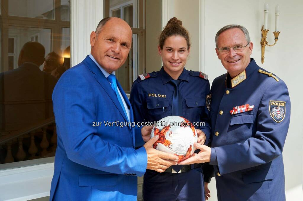 Wolfgang Sobotka, Nina Burger, Karl Mahrer (16.08.2017)