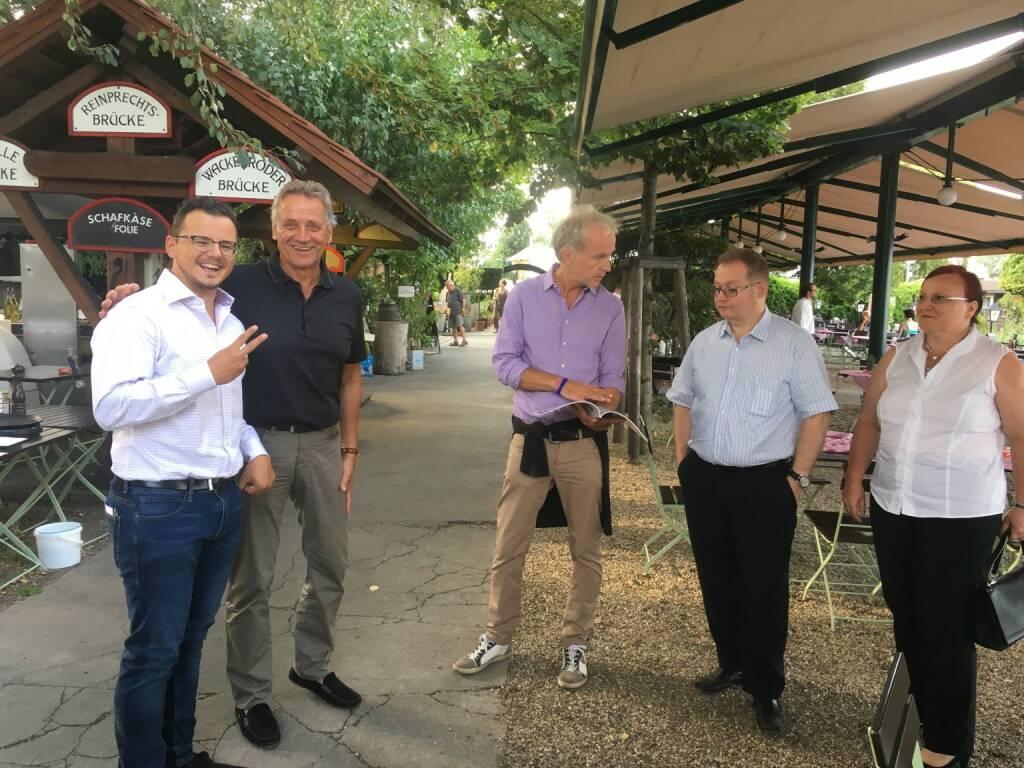 Michael Plos (BSN), Franz Pfann (Unicredit Bank Austria), Christian Drastil (BSN), Gregor und Yvette Rosinger (Rosinger Group) (17.08.2017)