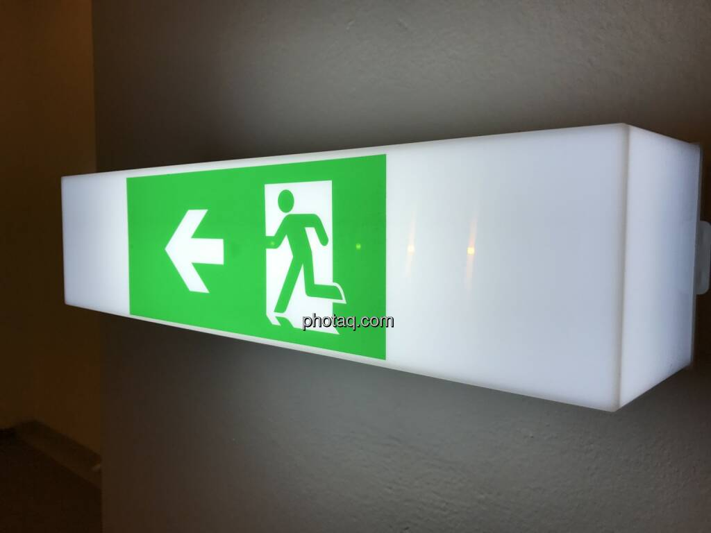 Exit, Flucht, Schluss, Ende, Abbruch, Ausgang, Laufen (Fotocredit: Michael J. Plos) (18.08.2017)