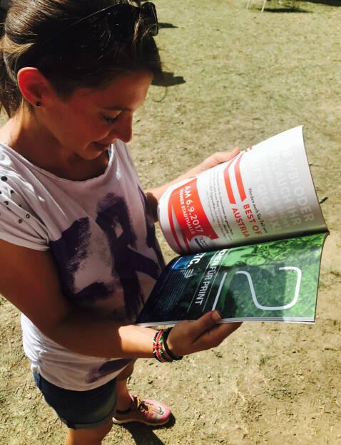 Vorjahressiegerin Anita Auttrit blickt auf ihre Seite im Börse Social Magazine http://www.boerse-social.com/magazine  (27.08.2017)