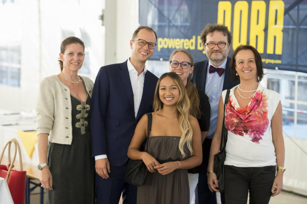 Laendyard: Joint Venture-Partner JP Immobilien und CA Immo feiern die Fertigstellung des Rohbaus von 270 Eigentums- und Vorsorgewohnungen an der Erdberger Lände; Bild: CA Immo/APA-Fotoservice/Hörmandinger (30.08.2017)