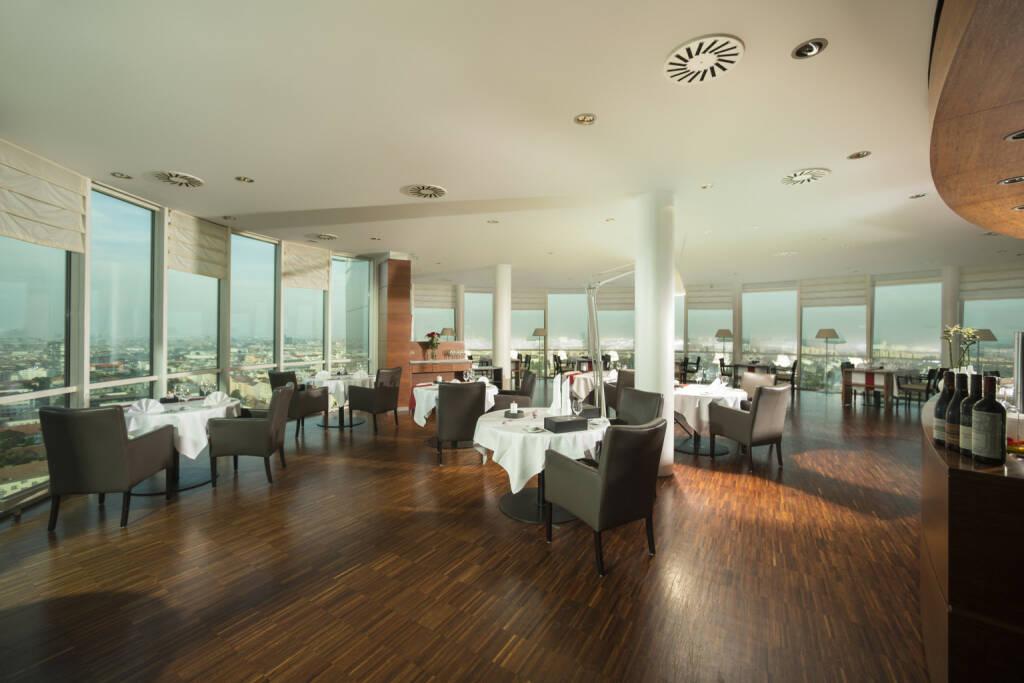Im Restaurant dasTURM in Wien kann man mit Bitcoin zahlen, Business Park Vienna, Immofinanz, Foto: Karl Schrotter/dasTURM, © Aussendung (01.09.2017)