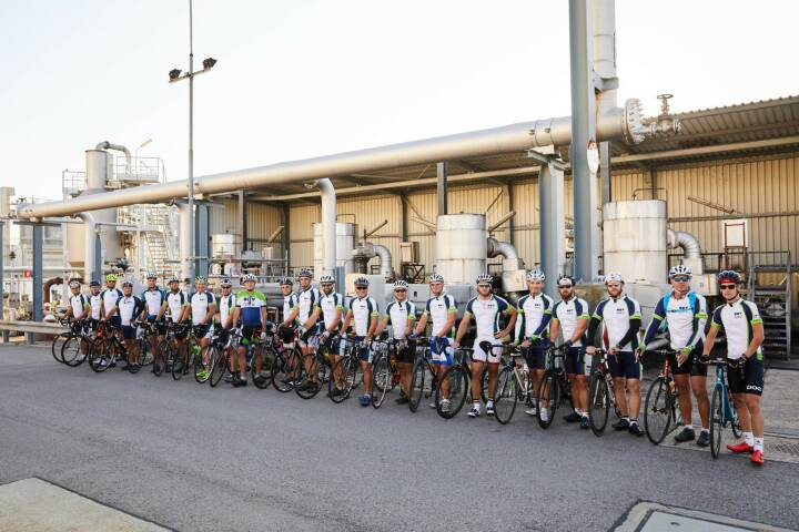OMV - 22 cyclists, 624 km, 6,300 m elevation gain, 25 bike hours and 3 countries. These are some facts of the mission accomplished by employees of the OMV Schwechat Refinery. They went on a cycling tour along the AWP and TAL pipelines, both of which supply our refineries with crude oil from the port of Trieste.