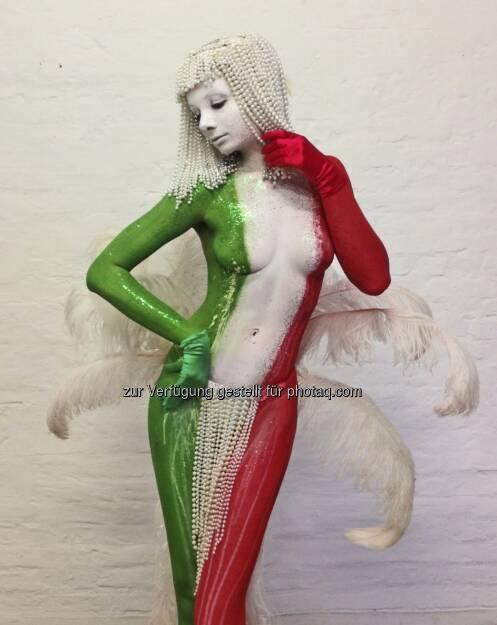 Italien: Bodypainting Julie Böhm für Filippo Ioco an der Fellini Gallery Berlin http://julie-boehm.blogspot.de/ (25.05.2013)