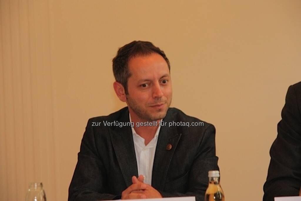 Baris Alakus, Ausstellungskoordinator der Klimt-Villa (25.05.2013)