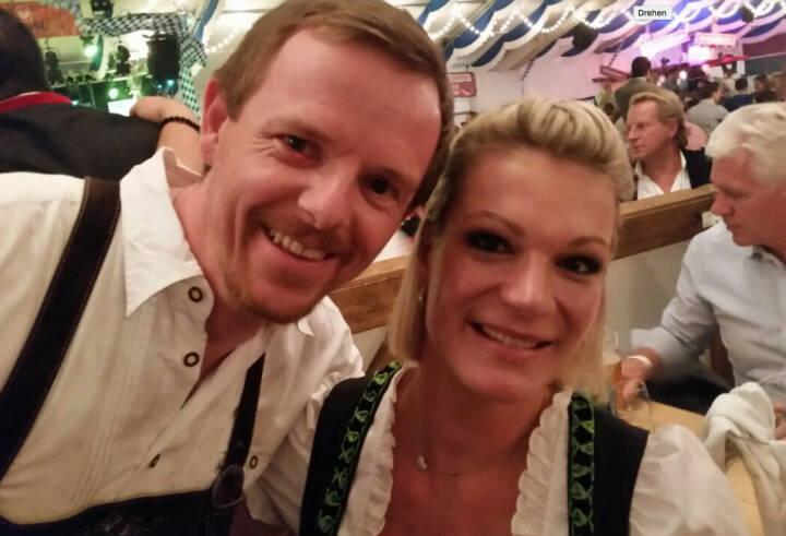 Christian-Hendrik Knappe und Maria Höfl-Riesch beim Frankfurter Oktoberfest